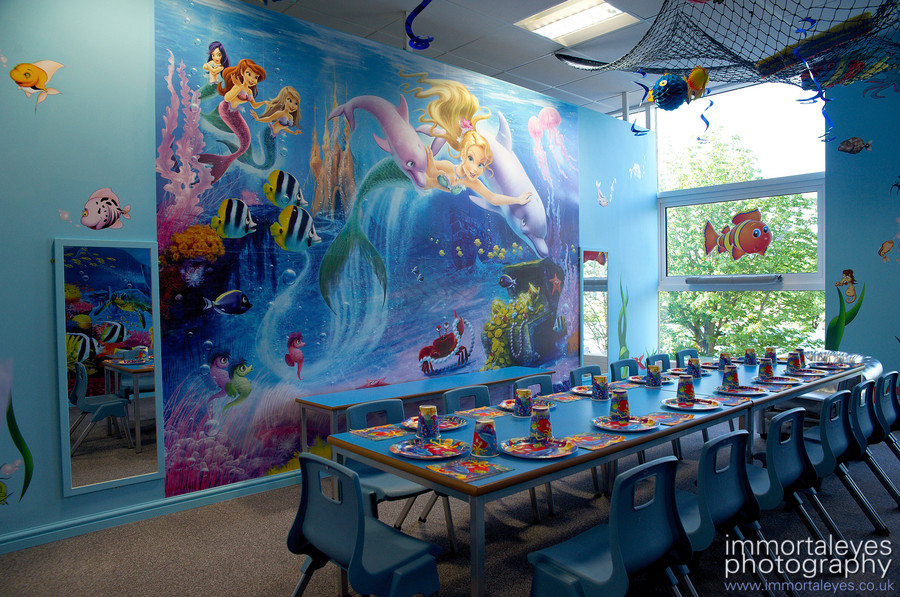 One of the eight themed rooms. This one is 'under the sea'.