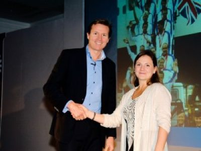 Roger Black being introduced on stage